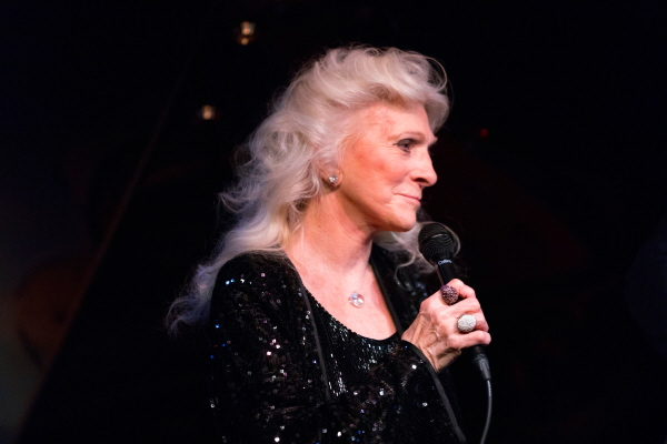 judy-collins-2016_11_10_cafecarlyle_31credit-david-andrako