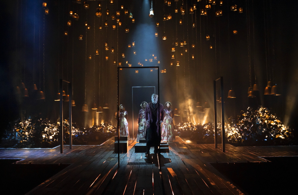 Review: A Christmas Carol – Drama Queen